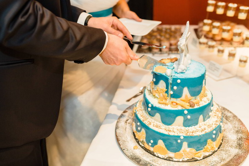 Dreistöckige Eistorte für Hochzeit